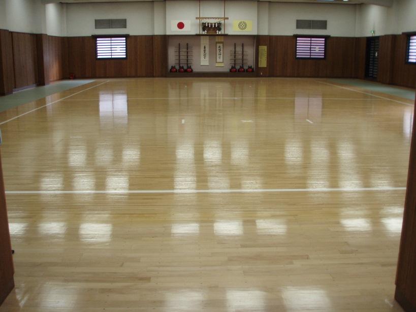 剣道場床改修工事ビフォー