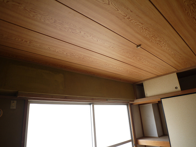 天井Before