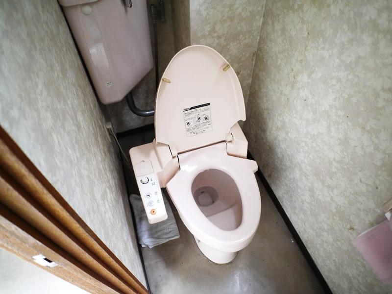 女子トイレ改装前