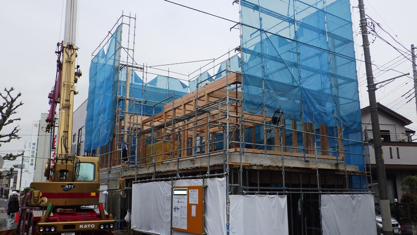 木造在来工法による建方